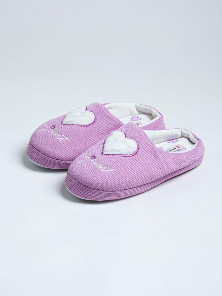 נעלי בית לבבות פרווה בצבע לילך