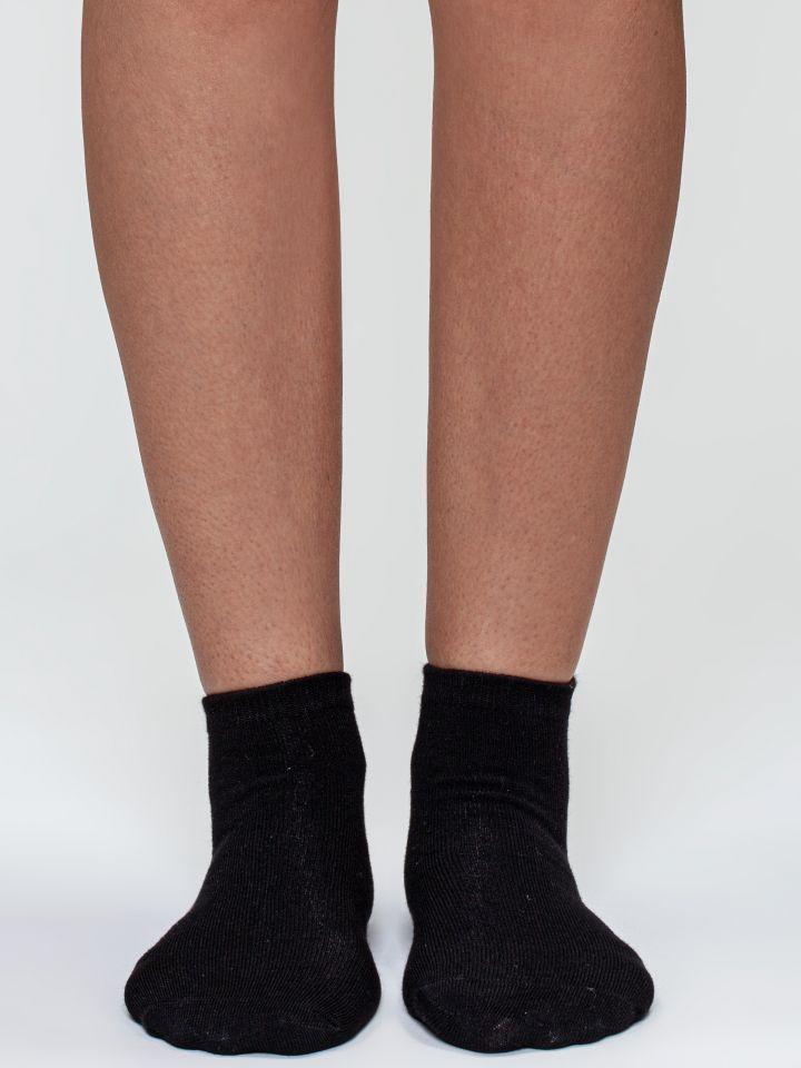 מארז 2 זוגות גרבי קרסוליות במבו בצבע שחור