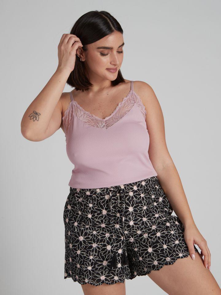 מכנסיים קצרים מבד רקום ומודפס LILYAN בצבע שחור