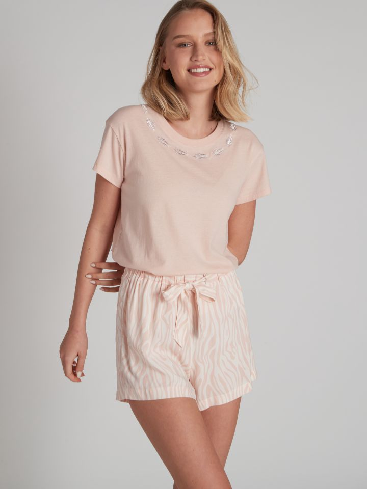 מכנסיים קצרים SOPHIA בצבע ורוד בהיר