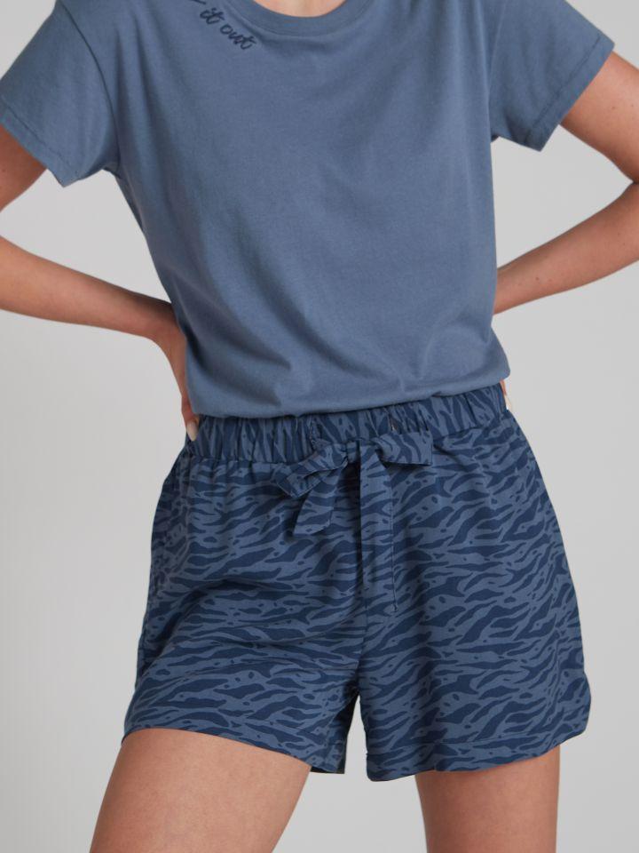 מכנסיים קצרים SOPHIA בצבע כחול אוקיינוס