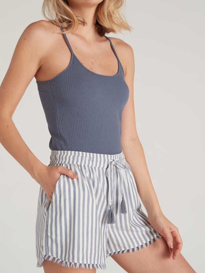 מכנסיים קצרים עם פסים וגימור פרנזים LAYLI בצבע כחול