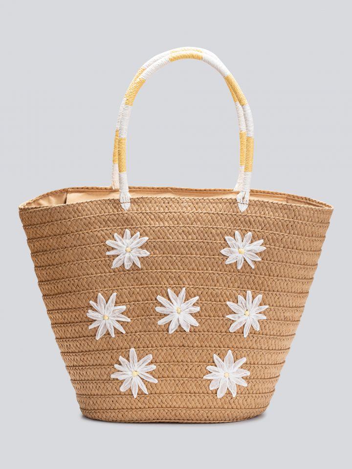 תיק קש עם פרחים בצבע צבע טבעי
