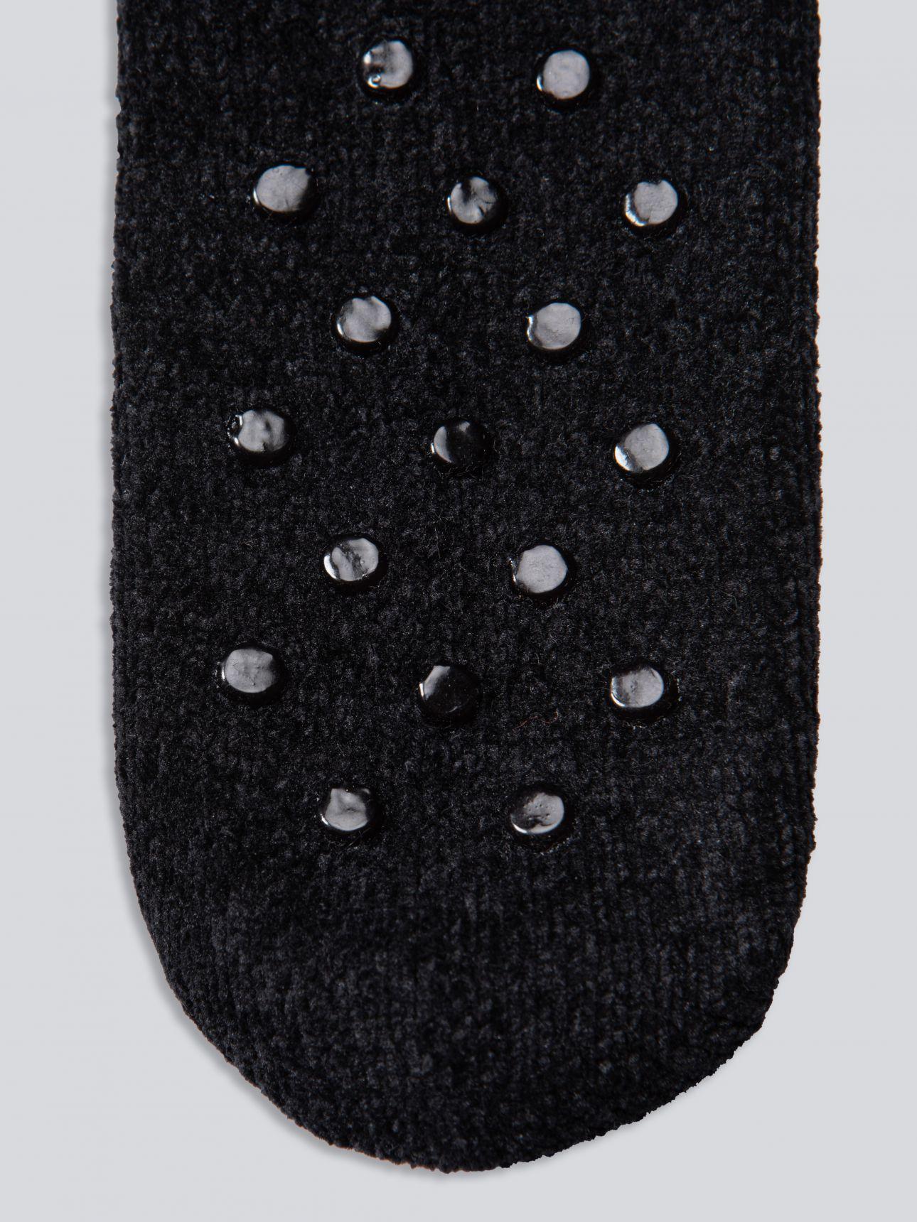 גרבי קטיפה FLUFFY בצבע שחור
