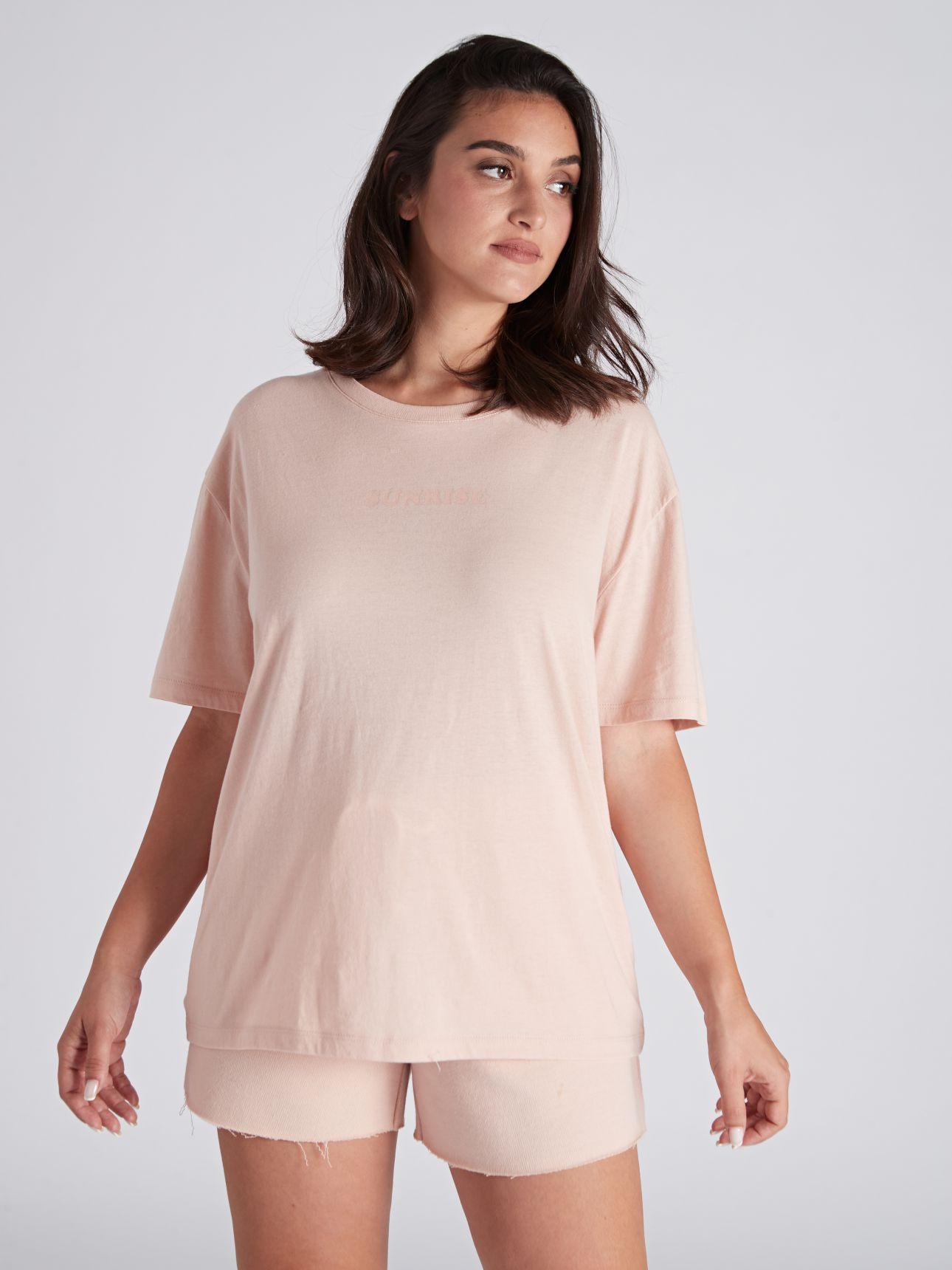 חולצת טי שירט עם דפוס BLOOM בצבע ורוד