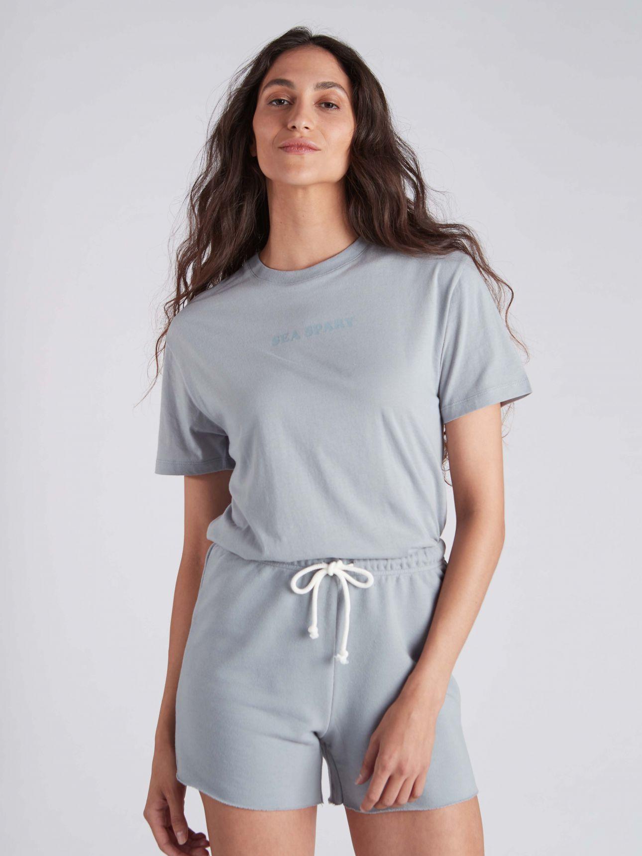 חולצת טי שירט עם דפוס BLOOM בצבע תכלת