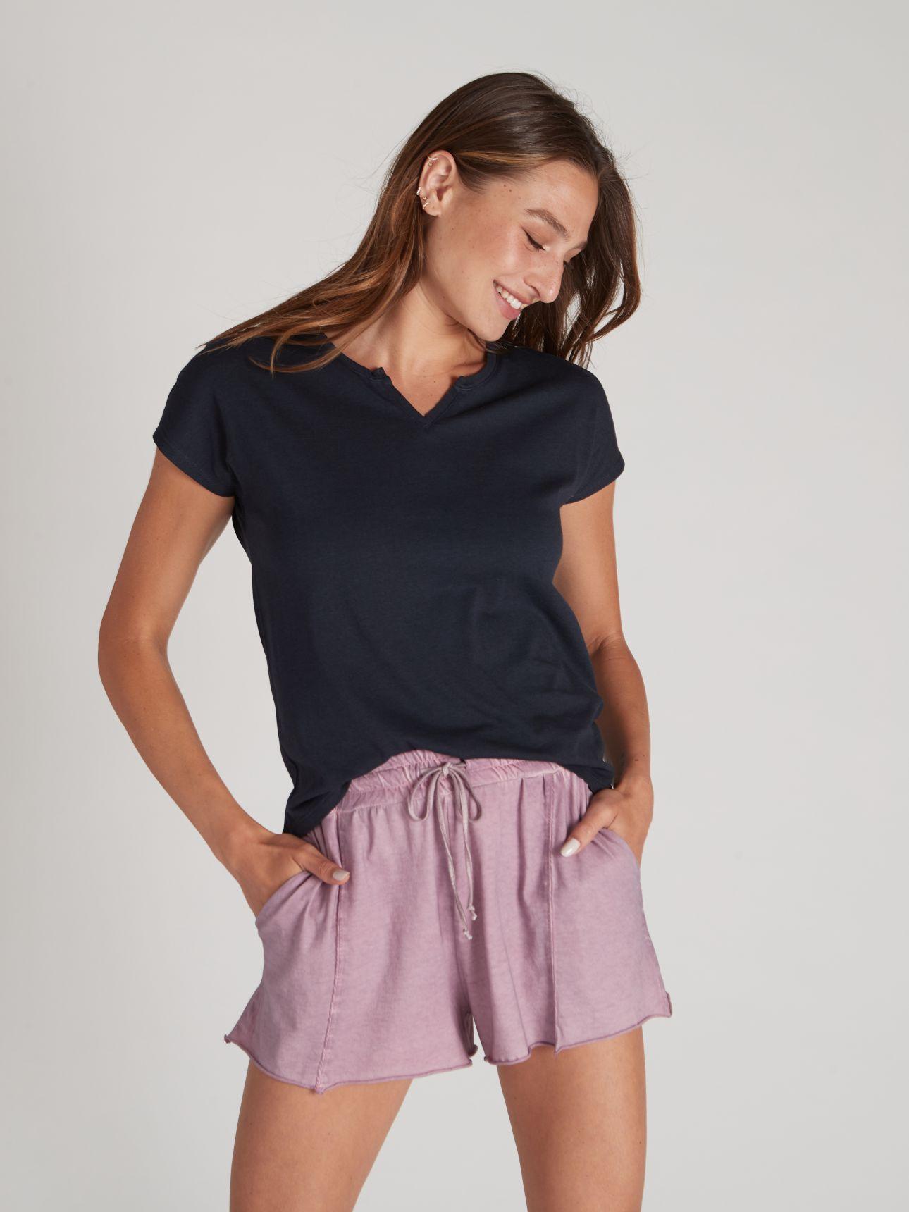 חולצת טי שירט שטופה בצבע נייבי