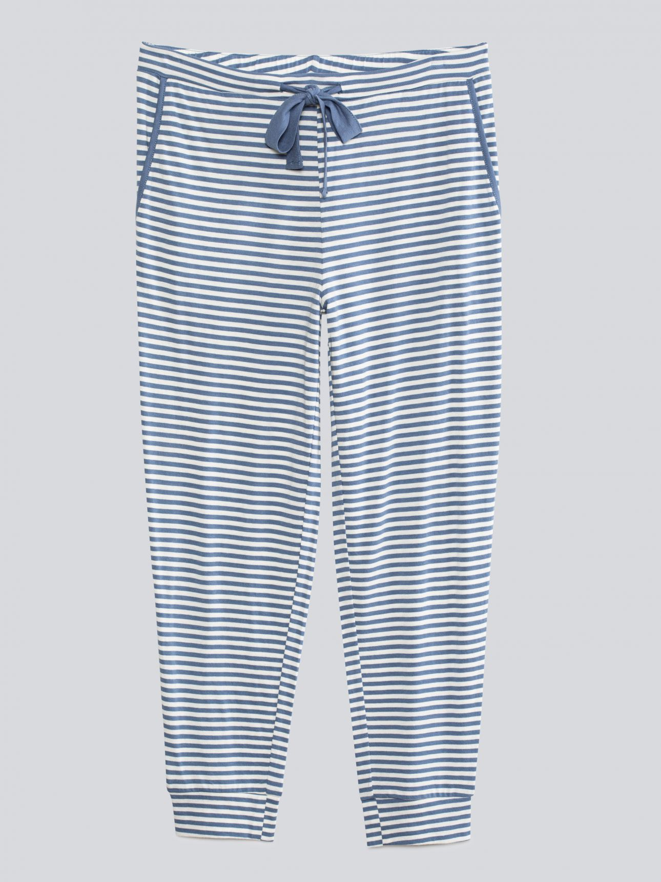 סט פיג'מה SUMMER BLOOM בצבע כחול