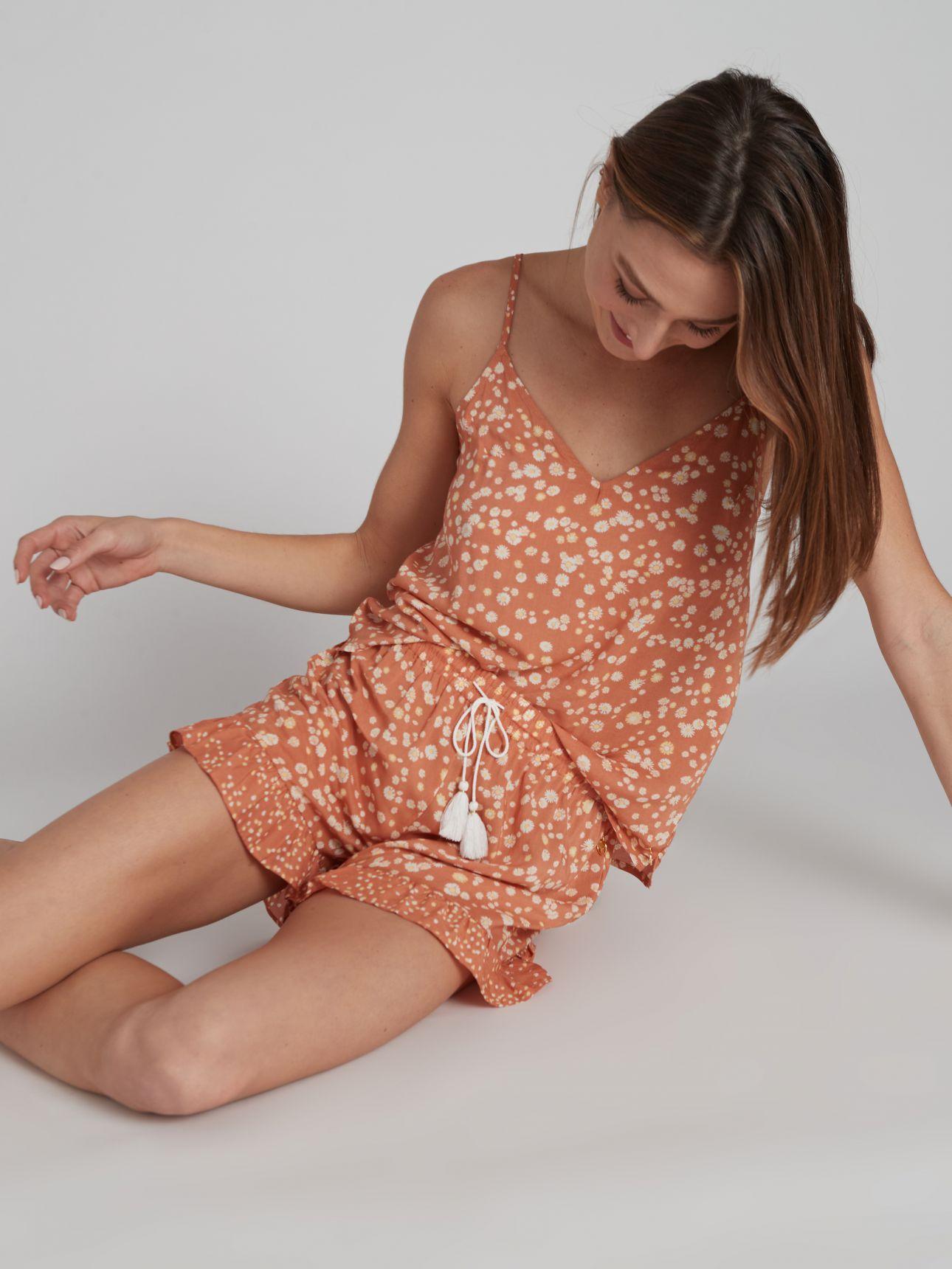 מכנסיים קצרים SUMMER FLOWER בצבע חמרה