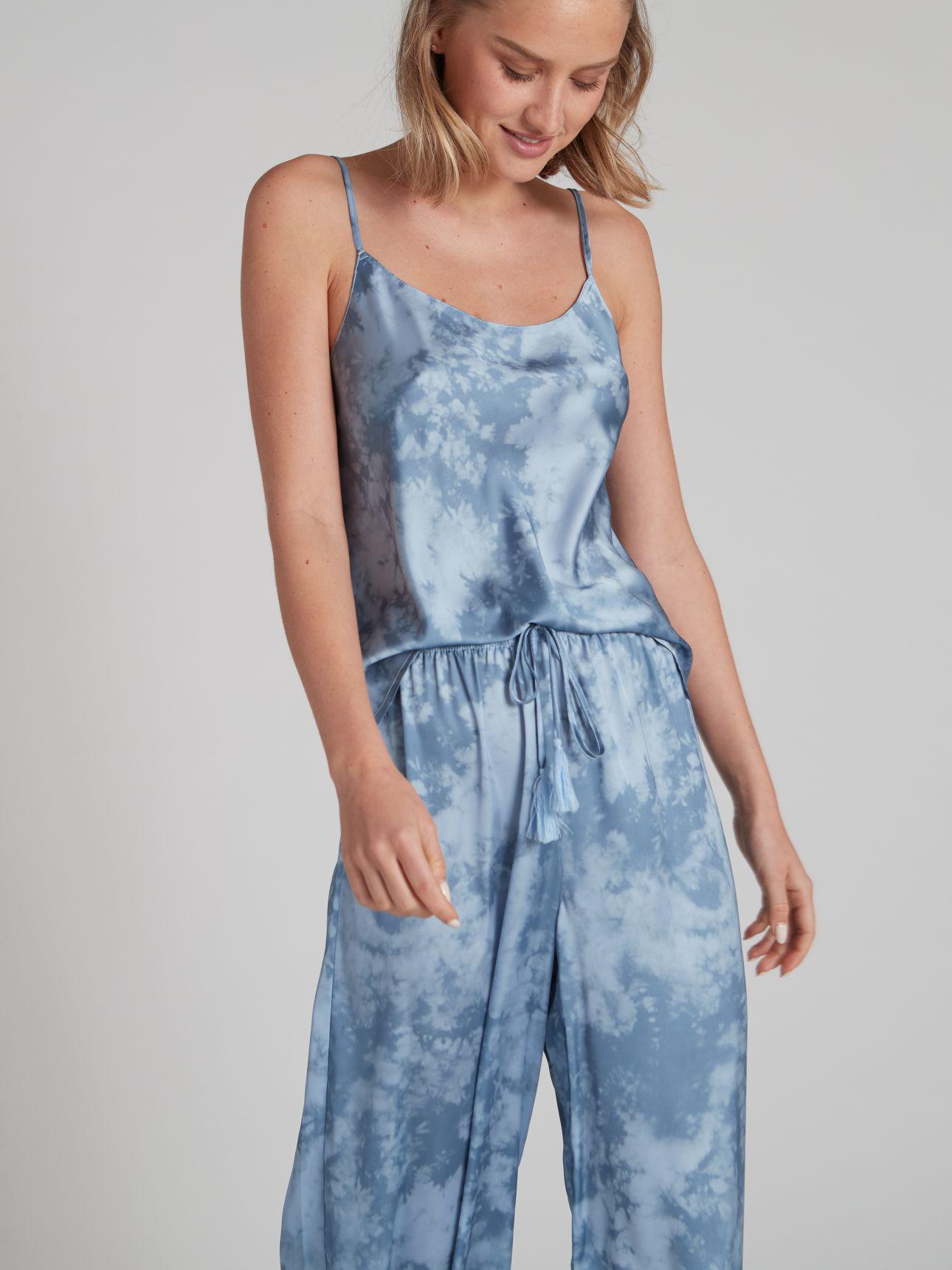 מכנסי סאטן ארוכים TIE DYE בצבע כחול אוקיינוס